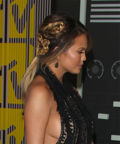 Christine Teigen Long Straight Casual - side view