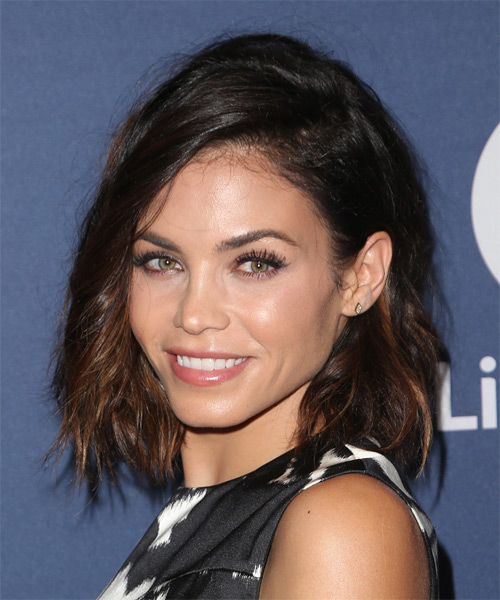 Jenna Dewan Medium Wavy Casual - side view