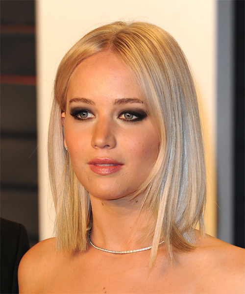 Jennifer Lawrence Medium Straight Bob Hairstyle - Light Blonde (Champagne) - side view