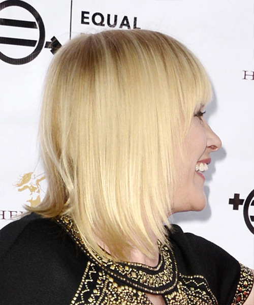 Patricia Arquette Medium Straight Formal Bob Hairstyle with Blunt Cut Bangs - Light Blonde (Golden) Hair Color - side view