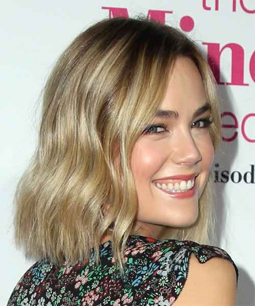 Rebecca Rittenhouse Medium Straight Casual Bob Hairstyle - Light Blonde Hair Color - side view