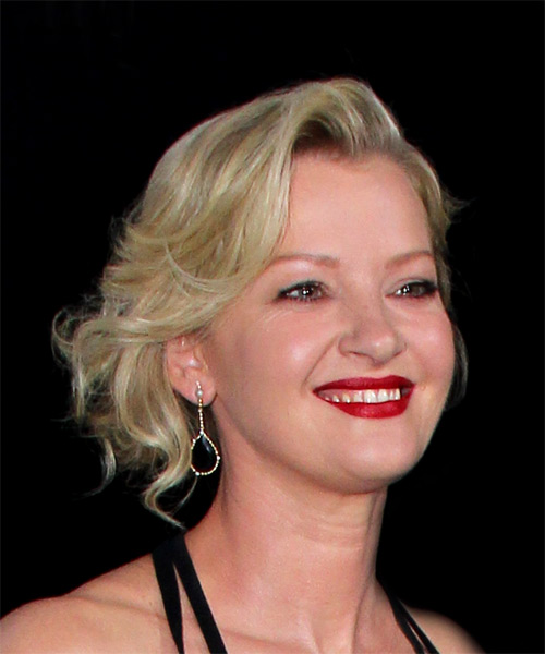 Gretchen Mol Medium Wavy Casual Wedding - Light Blonde (Platinum) - side view