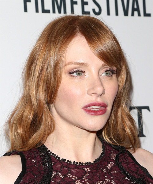 Bryce Dallas Howard Medium Wavy Casual Bob Hairstyle with Side Swept Bangs - Medium Red Hair Color - side view