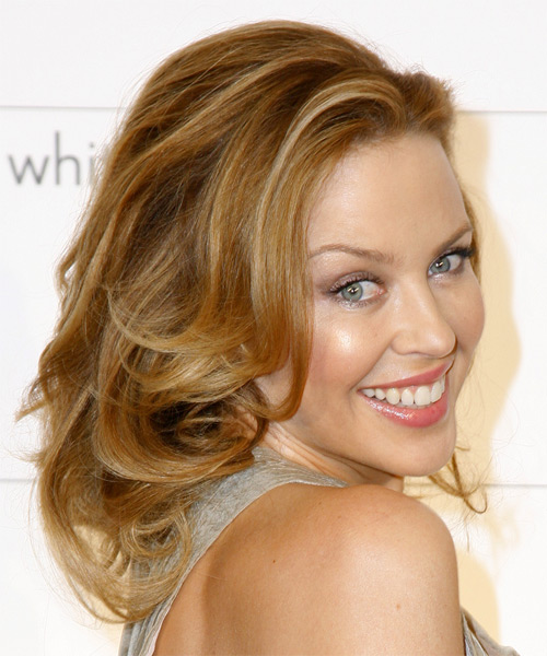 Kylie Minogue Long Wavy Hairstyle - side view