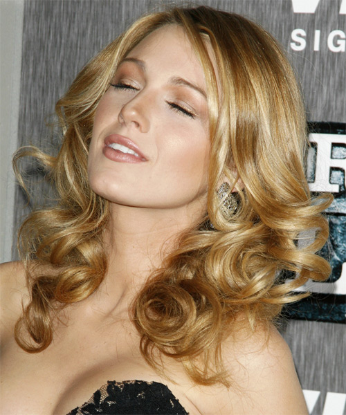 Blake Lively Long Wavy Hairstyle - side view
