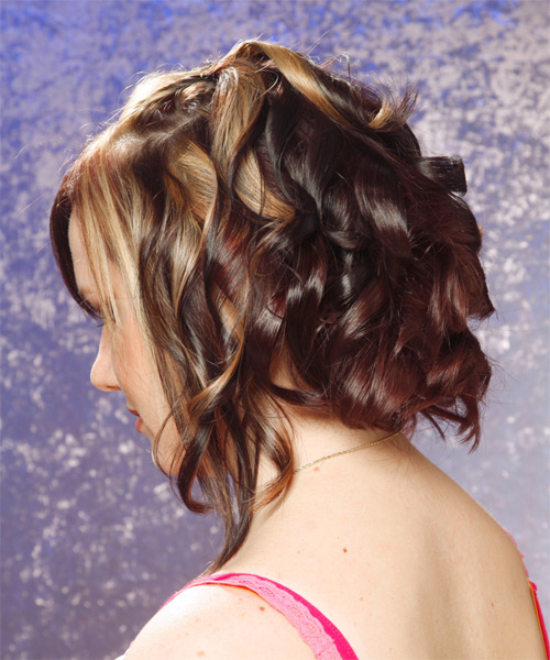 Medium Wavy Alternative Hairstyle - side view 1