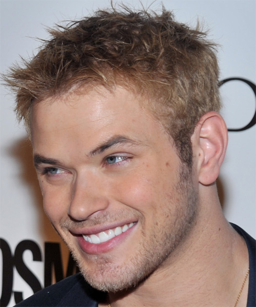 Kellan Lutz Short Straight Hairstyle - Dark Blonde (Ash) - side view 1