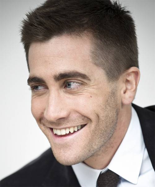 Jake Gyllenhaal Short Straight Hairstyle - Medium Brunette (Ash) - side view 1