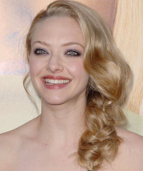 Amanda Seyfried Curly Formal Updo Hairstyle - side view