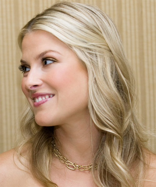 Ali Larter Half Up Long Curly Hairstyle - side view 1