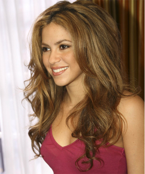 Shakira Long Wavy Hairstyle - side view