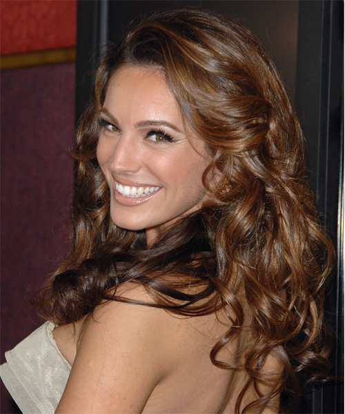 Kelly Brook Long Wavy Hairstyle - side view
