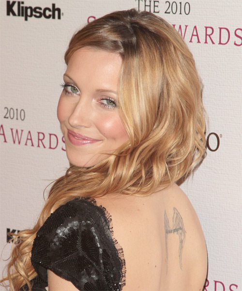 Katie Cassidy Wavy Casual - side view