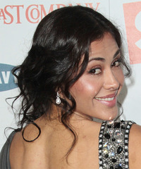 Carla Ortiz Hairstyle - click to view hairstyle information