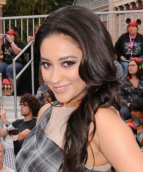 Shay Mitchell Long Wavy Hairstyle - Black - side view