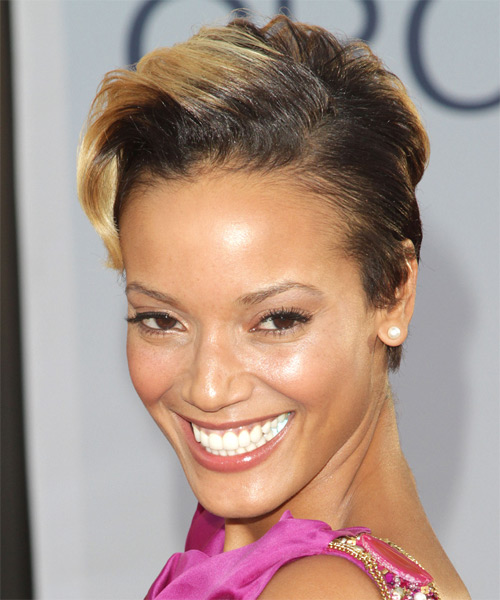 Selita Ebanks Short Wavy Hairstyle - Medium Brunette - side view 1
