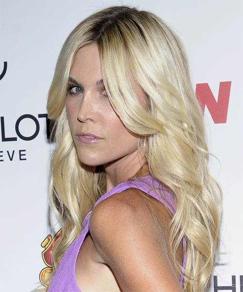 Tinsley Mortimer Long Wavy Formal Hairstyle - Light Blonde Hair Color - side view