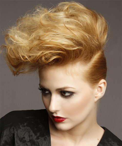 Short Wavy Alternative Hairstyle - Dark Blonde (Golden) - side view 1