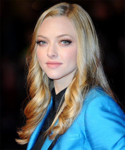 Amanda Seyfried Long Wavy Formal Hairstyle - side view