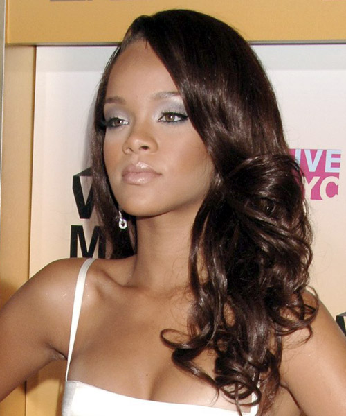 Rihanna Long Wavy Hairstyle - side view