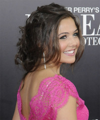 Danielle campbell Hairstyle - click to view hairstyle information