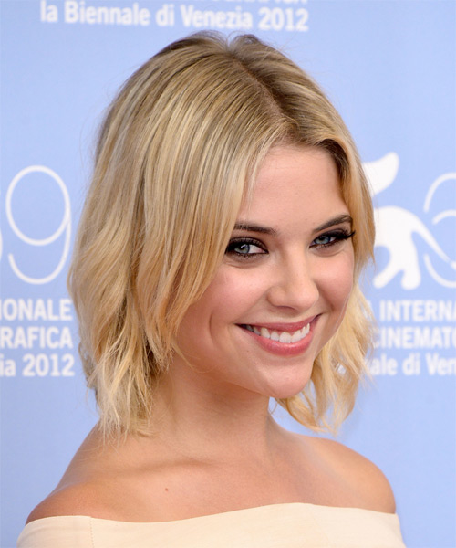 Ashley Benson Short Wavy Hairstyle - Light Blonde - side view 1