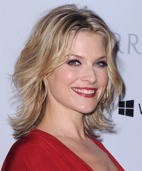 Ali Larter Medium Wavy Hairstyle - Medium Blonde (Champagne) - side view