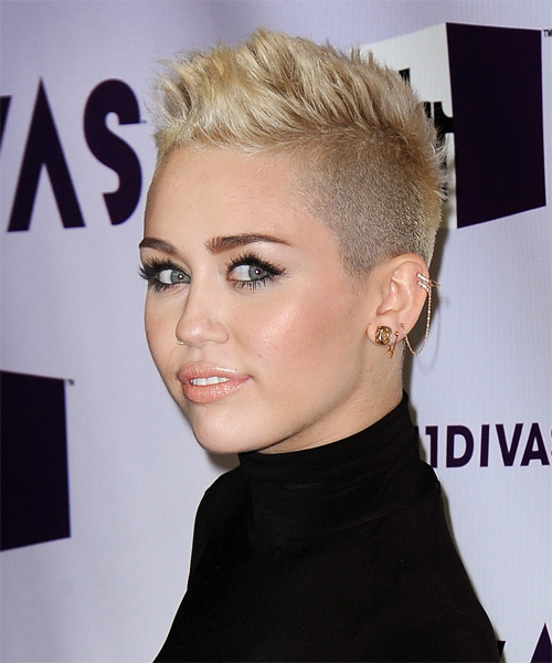 Miley Cyrus Short Straight Hairstyle - Light Blonde (Golden) - side view 1