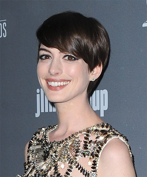 Anne Hathaway Short Straight Hairstyle - Dark Brunette - side view 1