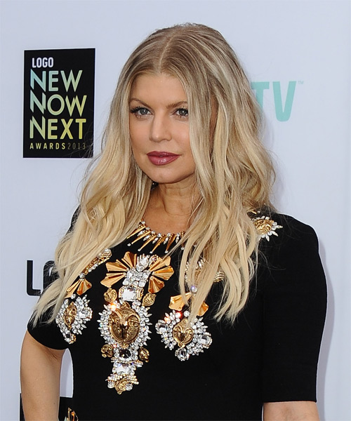 Fergie Long Wavy Hairstyle - Light Blonde (Champagne) - side view