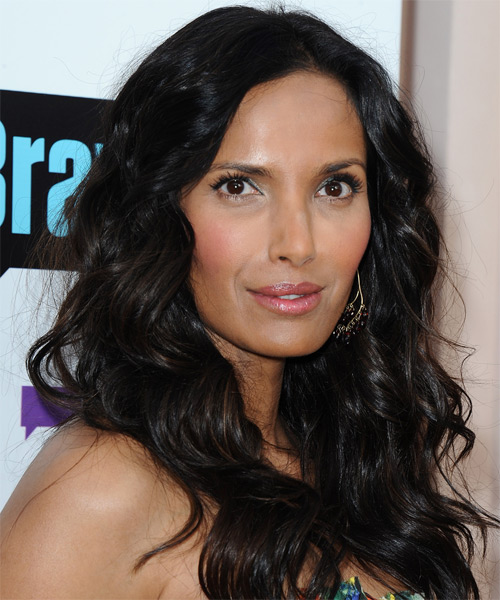 Padma Lakshmi Long Wavy Hairstyle - side view 1