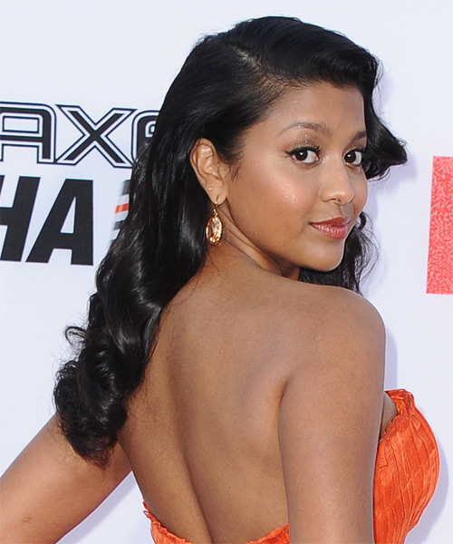 Tiya Sircar Long Wavy Hairstyle - Black - side view