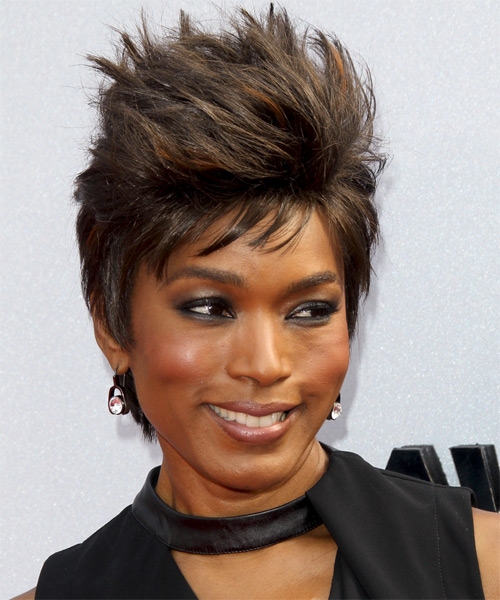Angela Bassett Short Straight Hairstyle - side view 1