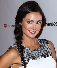 Katie Cleary  Hairstyle - click to view hairstyle information