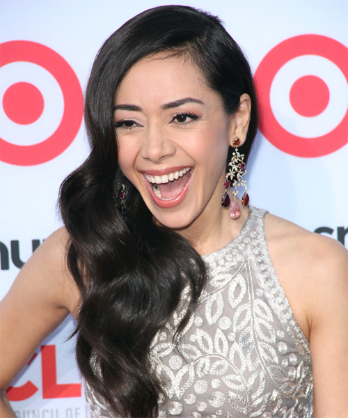 Aimee Garcia Long Wavy Hairstyle - side view 1