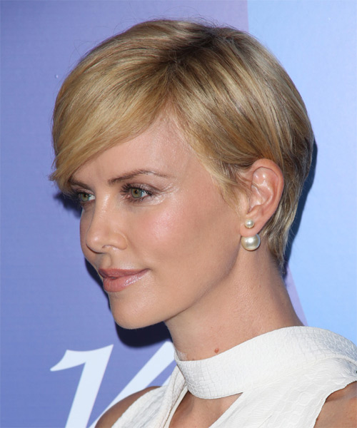 Charlize Theron Short Straight Hairstyle - side view