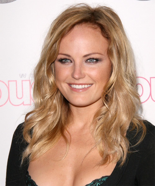 Malin Akerman Long Wavy Hairstyle - side view 1