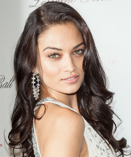 Shanina Shaik Long Wavy Hairstyle - Dark Brunette (Mocha) - side view 1