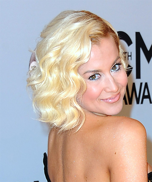 Kellie Pickler Short Wavy Bob Hairstyle - Light Blonde (Golden) - side view