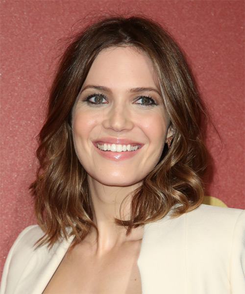 Mandy Moore Medium Wavy Hairstyle - Medium Brunette (Chocolate) - side view