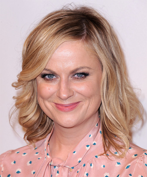 Amy Poehler Medium Wavy Casual  - Light Blonde (Copper) - side view