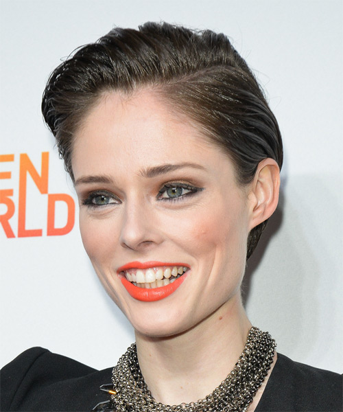 Coco Rocha Short Straight Hairstyle - Medium Brunette (Ash) - side view