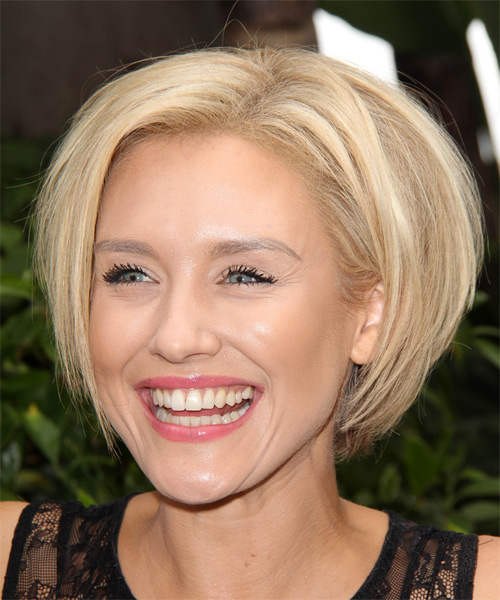 Nicky Whelan Short Straight Formal Hairstyle - Light Blonde Hair Color - side view