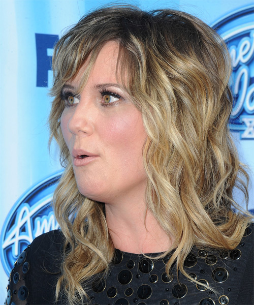 Jennifer Nettles Long Wavy Casual  with Layered Bangs - Medium Blonde (Ash) - side view