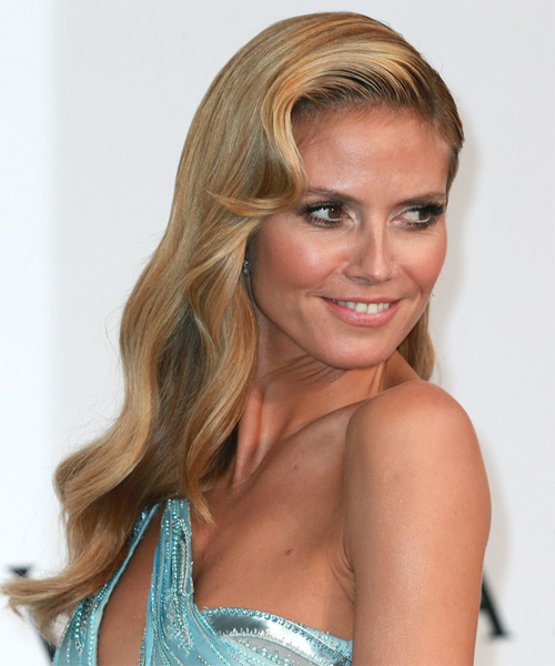 Heidi Klum Long Wavy Hairstyle - Dark Blonde - side view