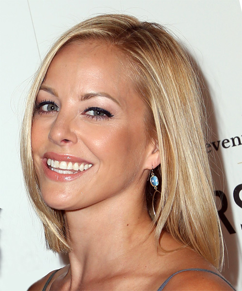 Amy Paffrath Medium Straight Formal Bob Hairstyle - Light Blonde (Champagne) Hair Color - side on view