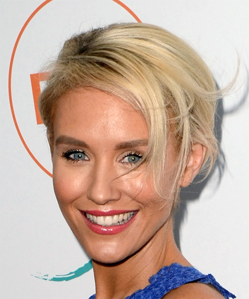 Nicky Whelan Short Straight Casual Bob Hairstyle - Light Blonde Hair Color - side on view