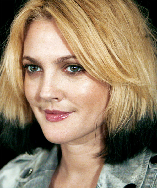 Drew Barrymore Medium Straight Hairstyle - side view 2