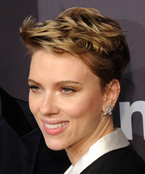 Scarlett Johansson Chic Short Straight Casual Pixie - side on view