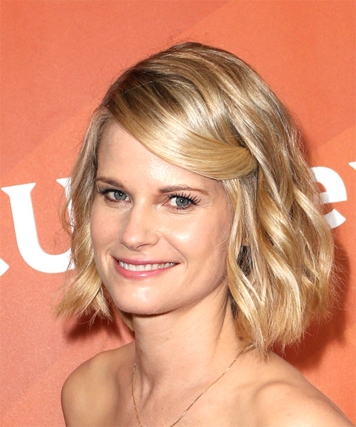 Joelle Carter Medium Wavy Casual Bob Hairstyle - Light Blonde Hair Color - side on view